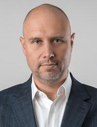 Виталий Милованов, генеральный директор компании «Райффайзен-Лизинг»: «И мы, и клиенты научились работать и делать бизнес онлайн»